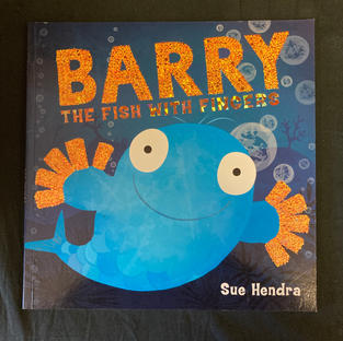 Barry: The Fish with Fingers by Sue Hendra