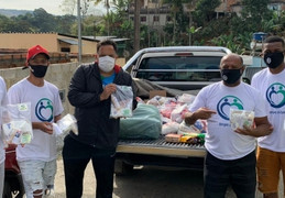 Esporte da Suprema entrega doações na comunidade do bairro Retiro - JF