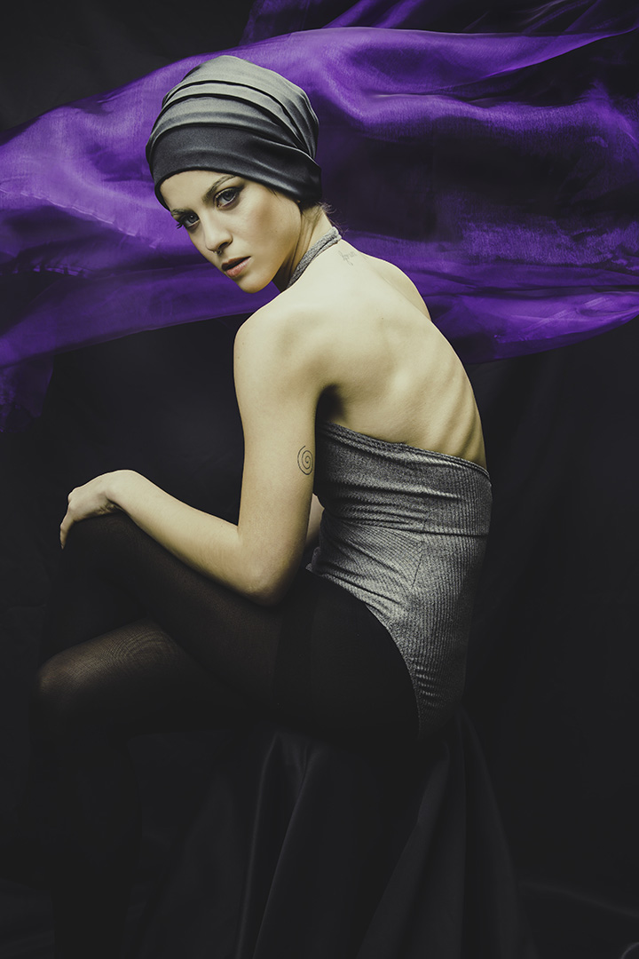 Portrait photography of women with violet material at Vilija Skubute studio