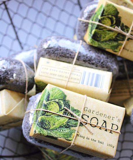 Gardeners Soap with Pumice Stone