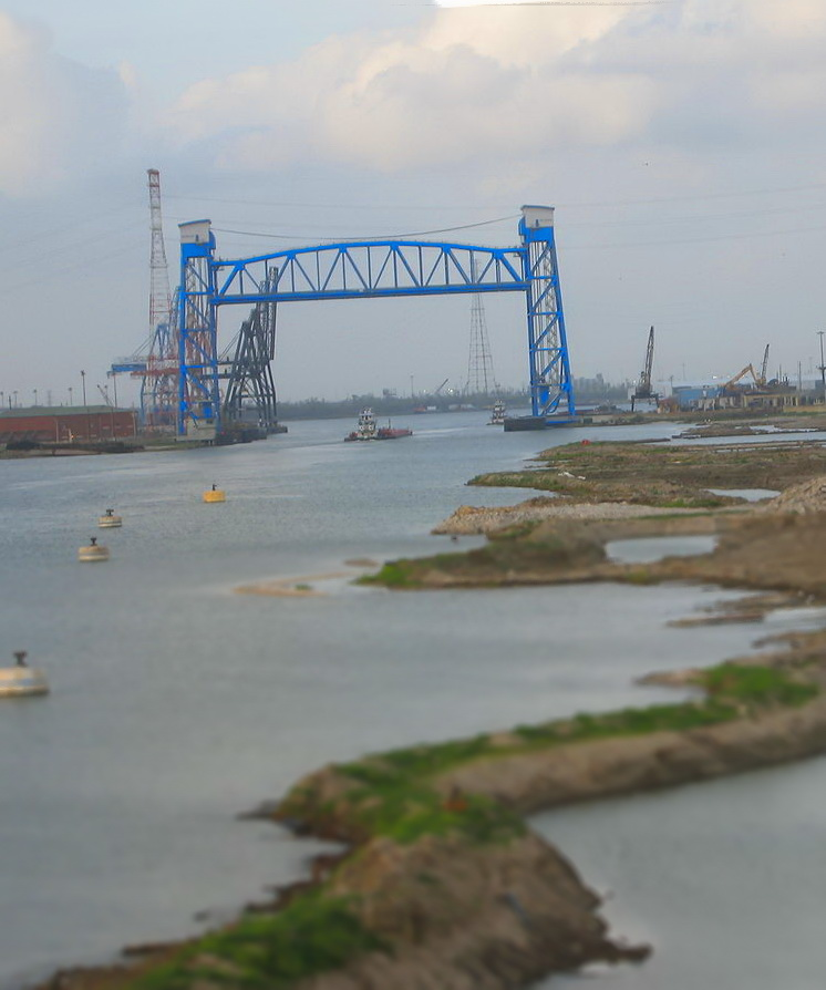 1280px-Industrial_canal_post-katrina_Blue Bridge