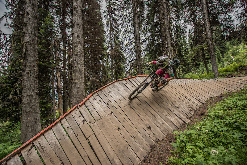 Giant Glory bike park downhill wall ride Silver star