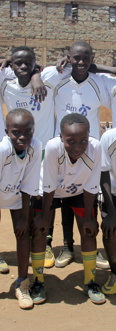 Jugendliche in einem Slum in Nairobi