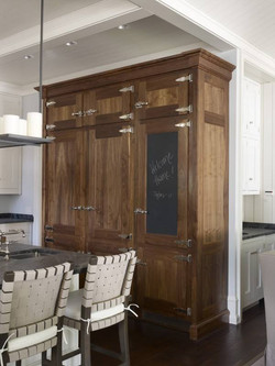 Kitchen Beverage and Pantry