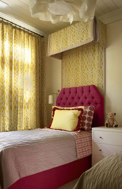 Girl's Twin Bedroom