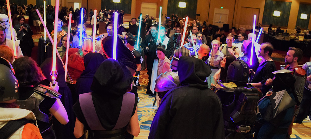 Crazy Jae Cosplay at the Old Republic Cantina at SWC2017 Jedis and Sith Alike