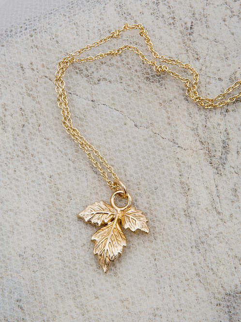 Ivy Pendant Choker Necklace