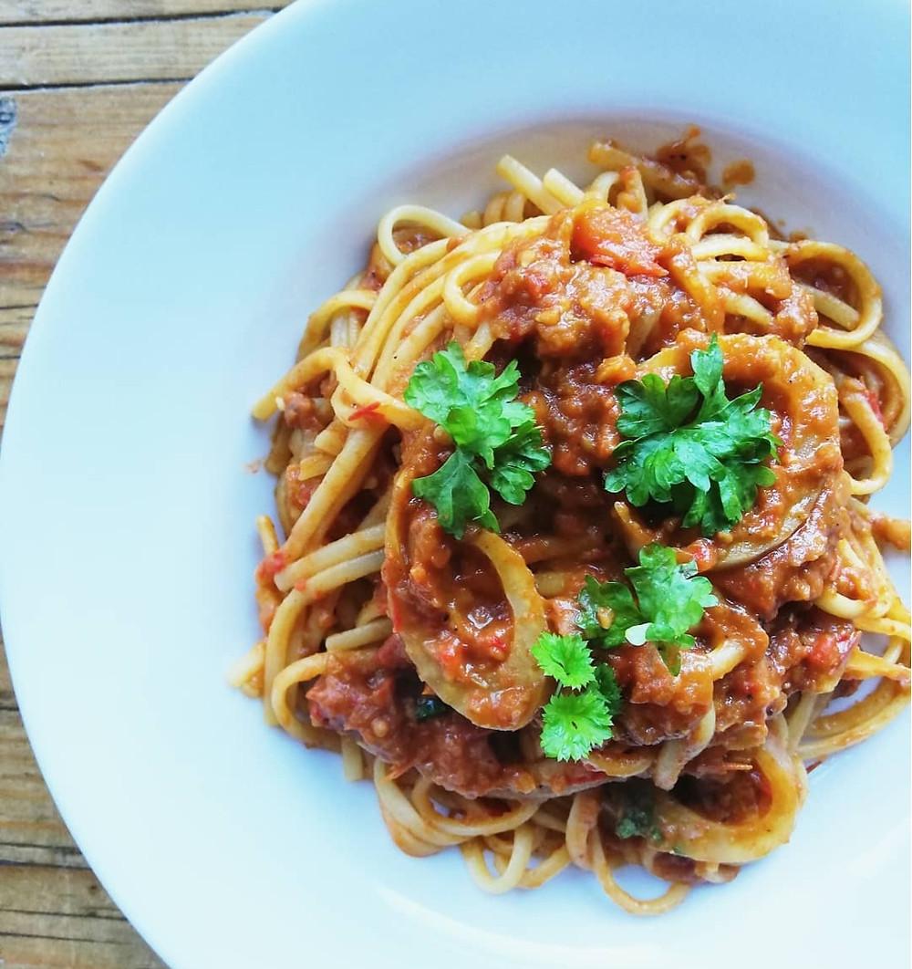 Linguine with Fennel, Tomato, Garlic and Chilli