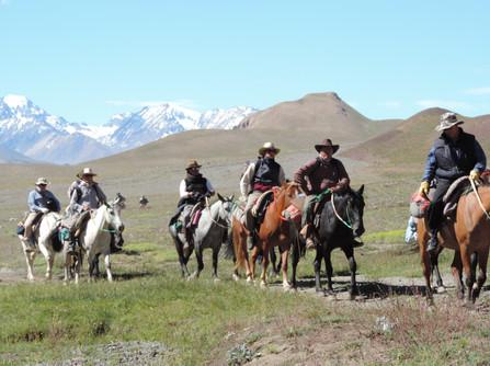Cabalgata Cruce De Los Andes