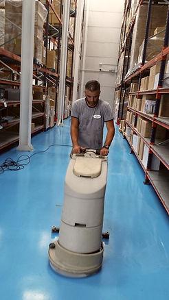 Limpieza máquina fregadora en Málaga
