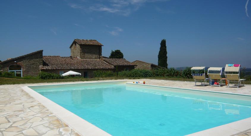 Foto Marta mezzano piscina.jpg