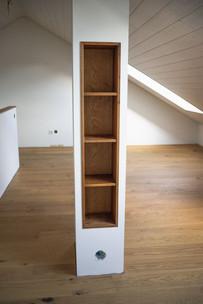 Eingebautes Büchergestell