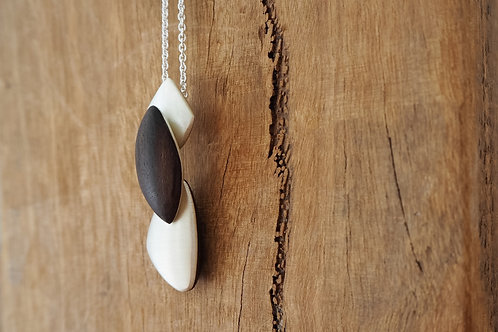 Petite Pebble on Chain NP02