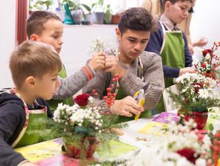 Magia de pe strada Alexandru Borneanu: copii si flori!