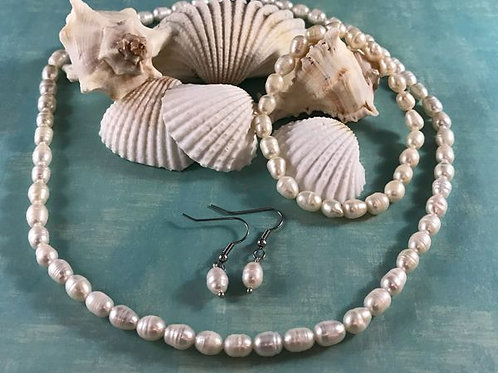 Freshwater Pearl Bracelet (Stretchable), Earrings and Necklace (18 in)