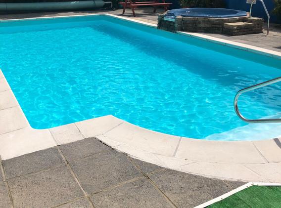 Swimming Pool &Jacuzzi
