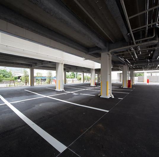 1F 駐車場・駐輪場