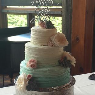 Ombre Wedding Cake_edited.jpg