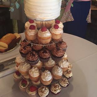 Wedding Cupcake_Cake Buffet_edited.jpg