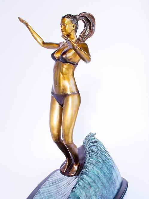 Noelani, bronze statue
