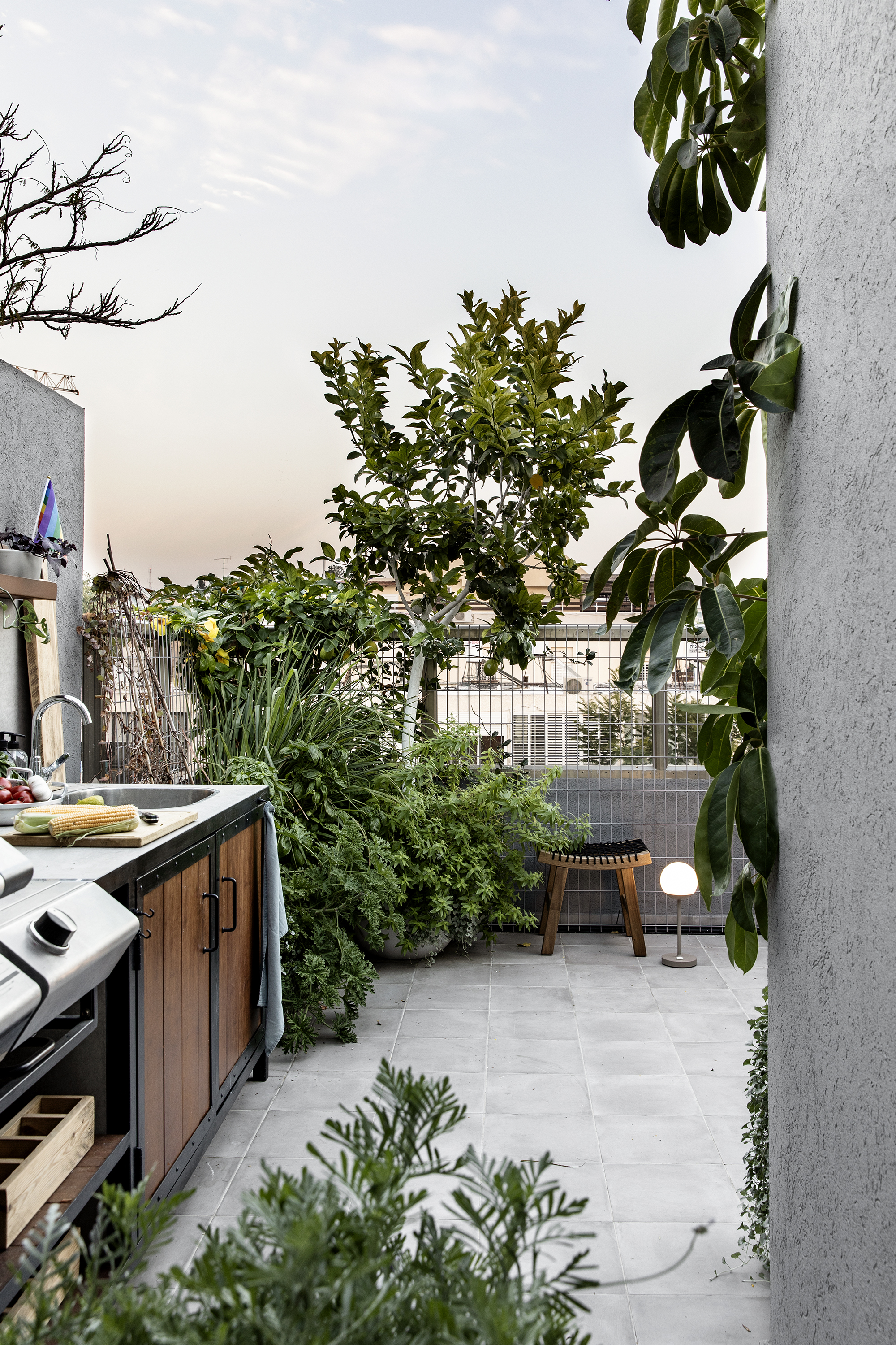Rooftop apt R&A by Vered Bonfiglioli