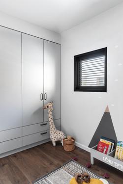 Apartment E&I by Vered Bonfiglioli