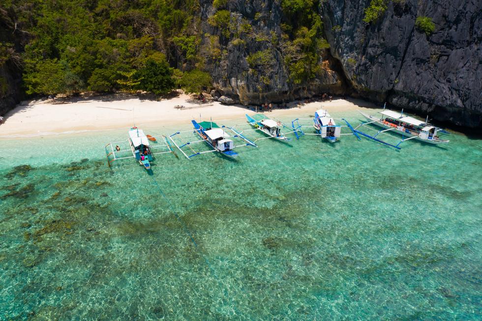 tropical-beach-el-nido-palawan-philippin