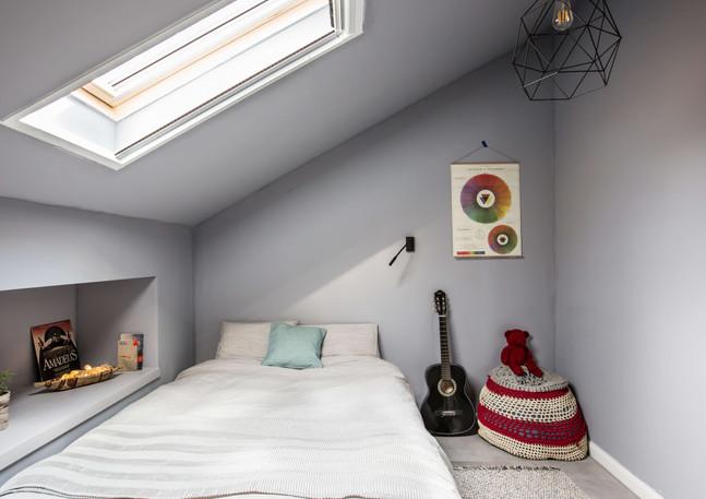 Gray room, Arugot.