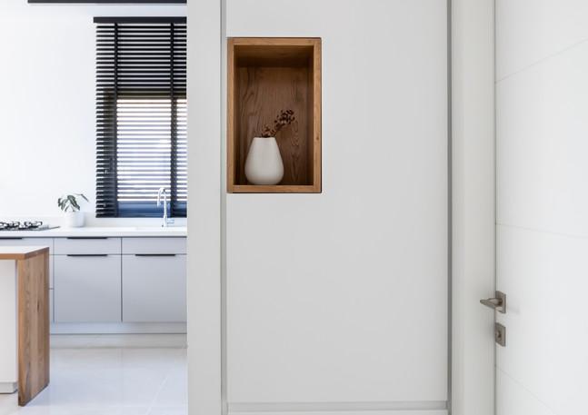 Entrance closet, Givatyim.