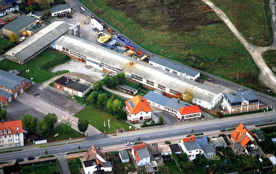 Bä_Staßfurt_Luftaufnahme 2002-11-28.jpg