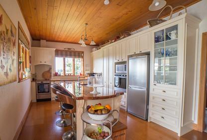 solid-timber-kitchen.jpg