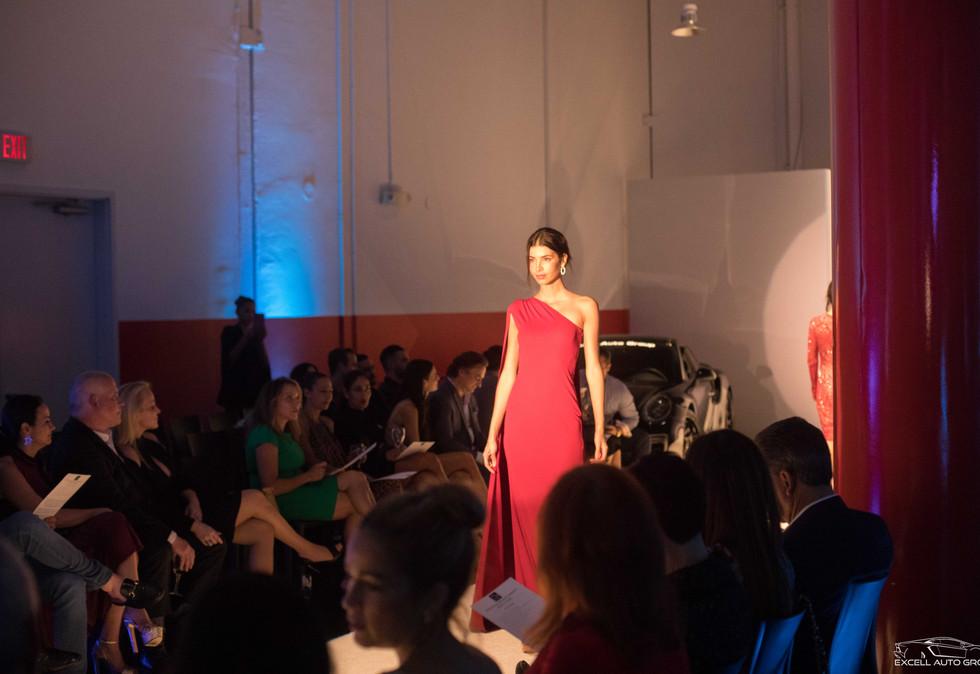 FashionShow-1-100.jpg