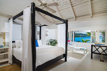 Pineapple_Room_King_Bed.jpg
