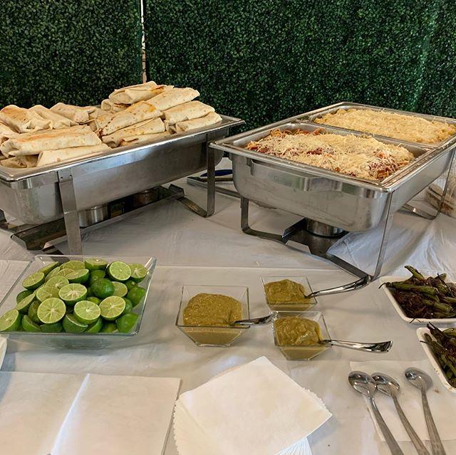 Buffet de burritos y pastas