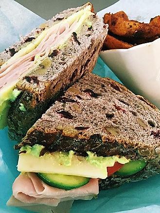 Hasta nuestros sándwiches los hacemos co