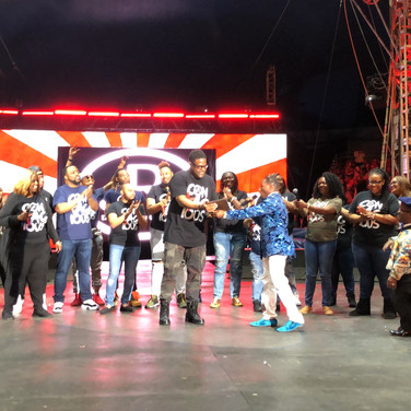 CONTAGIOUS performance at 2019 UniverSoul Circus