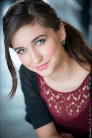 Zoe Zobrist Headshot