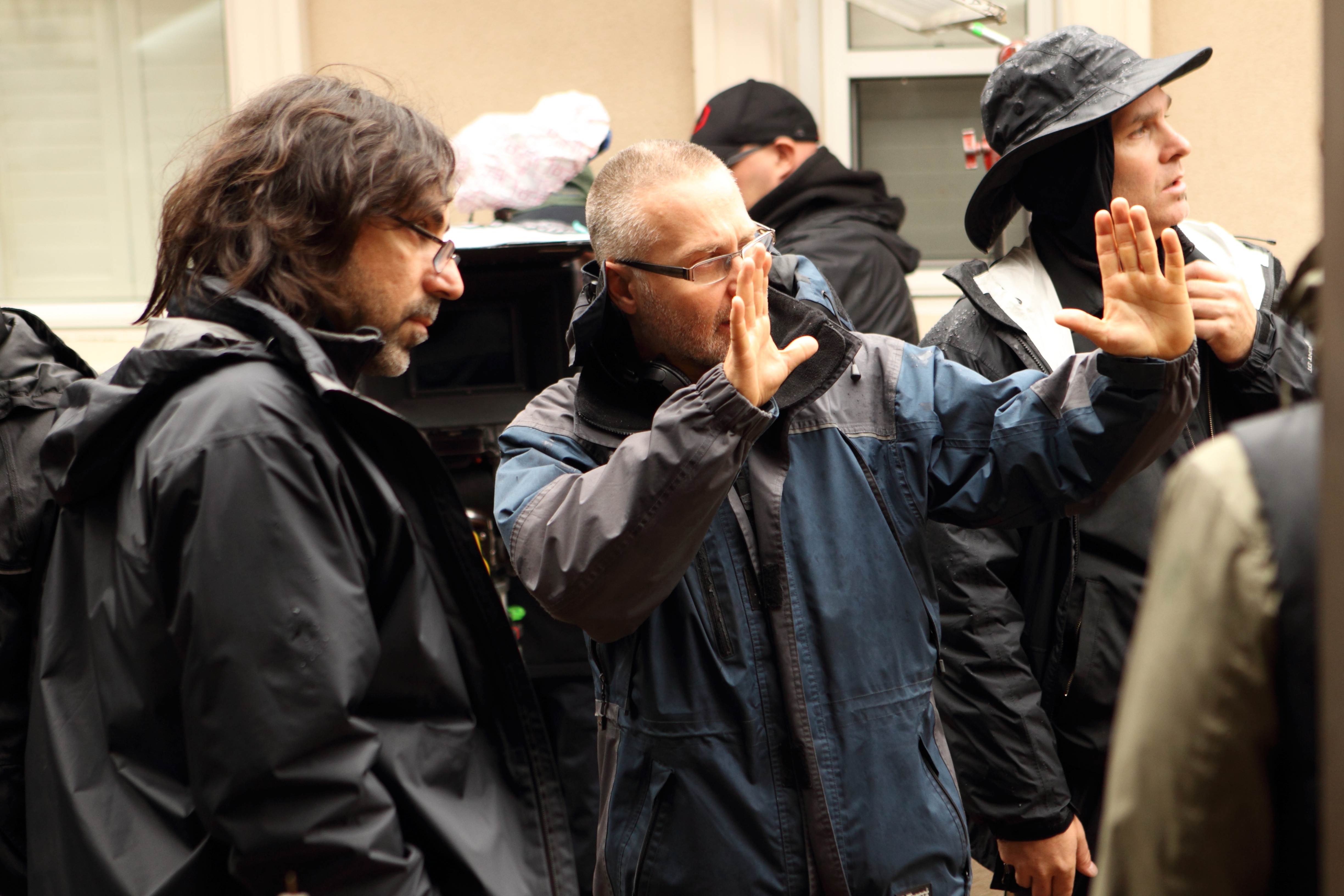 Cracked 109 - Lining up a shot with cinematographer Naroayr Kasper 2012