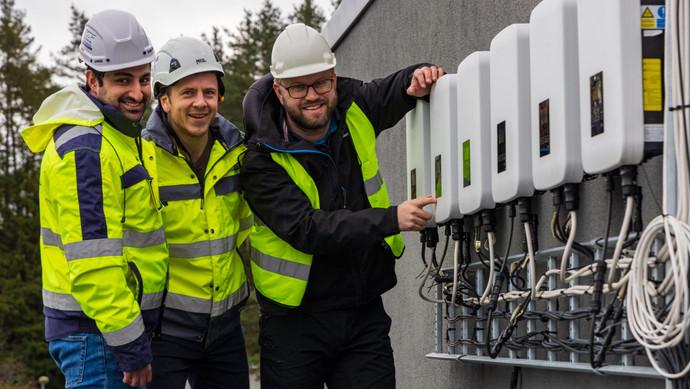 Enorme takarealer står klar for solkraftproduksjon