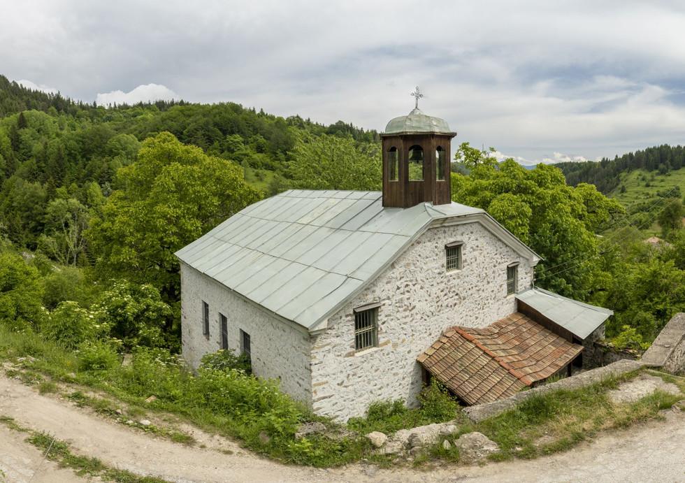 """Църква """"Св. Троица"""" с.Кремене"""