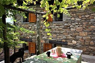 Raffiniertes Ferienhaus im Tessiner-Granit. Hier haben Sie ein Ferienhaus der feinsten Art gefunden