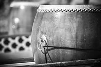 close-up-of-dragon-boat-drum_1401-1362_e