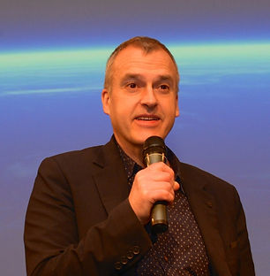 Peter Van Rompaey doeltreffend en insirerend spreken voor een publiek