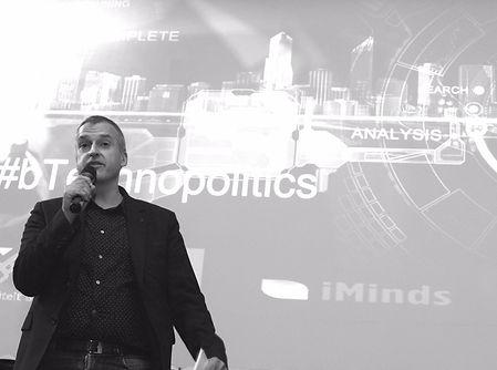 Peter Van Rompaey doeltreffend en inspirerend spreken en presenteren voor een publiek