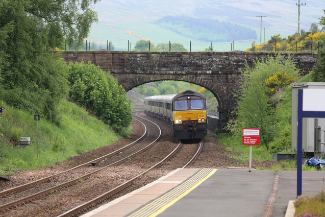 Train arrival.jpg