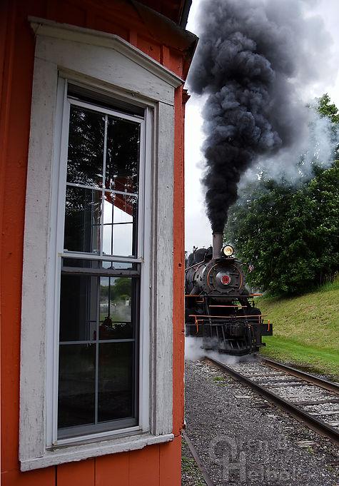 Arcade & Attica Railroad #18 slipping leaving Curriers