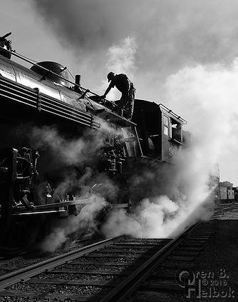 Strasburg Railroad engineer Darin Esterly blowing down #90