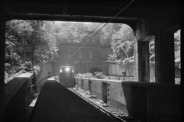 GG1 exiting North River Tunnel, North Bergen, New Jersey, 1977, Oren B. Helbok photo