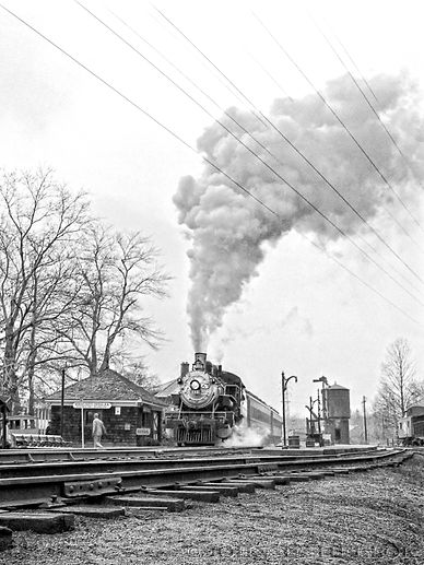Morris County Central #385 at Whippany, New Jersey, John E. Helbok photo