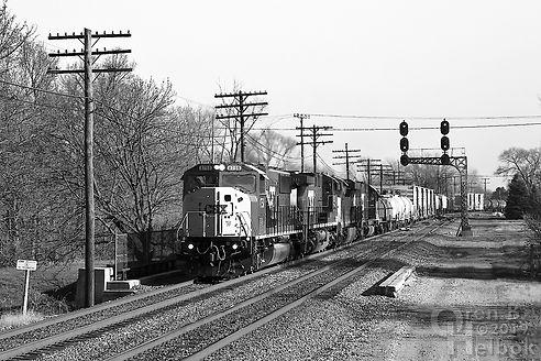Iron Triangle, Fostoria, Ohio, C&O signals, northbound CSX freight, Oren B. Helbok photo
